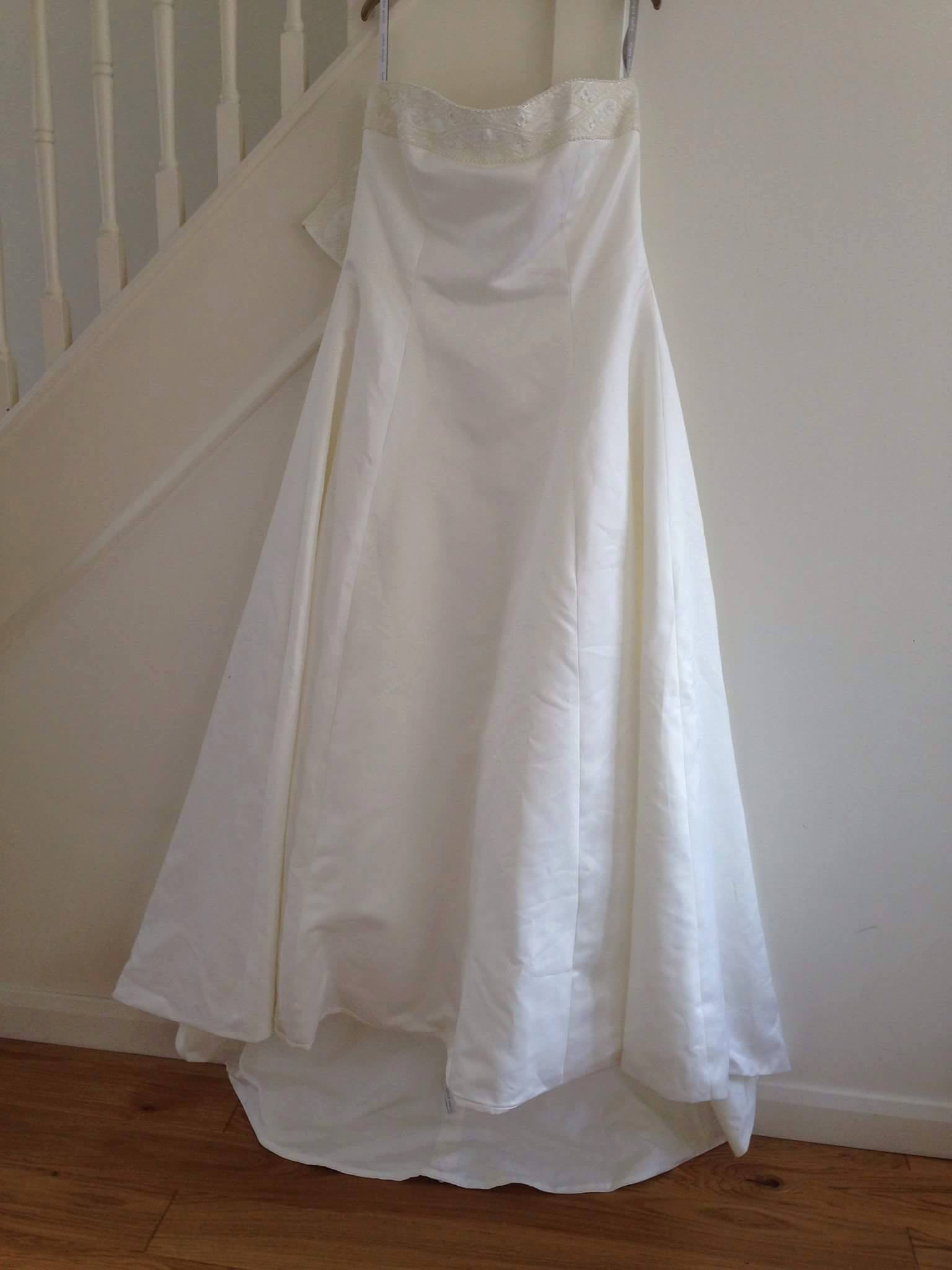 Donated wedding dresses / Bridesmaid dresses / Christening gowns ...